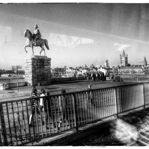 Köln aus dem Zug.